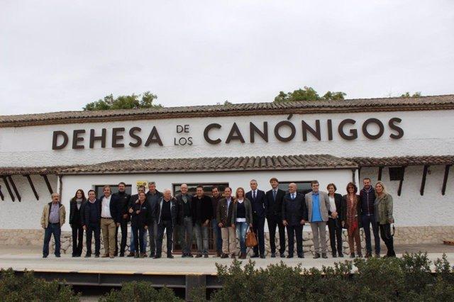 Asistentes al acto celebrado en Pesquera de Duero.