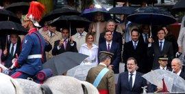 """Rajoy se muestra """"orgulloso"""" de España y asegura que es un """"honor"""" celebrar el Día de la Fiesta Nacional"""