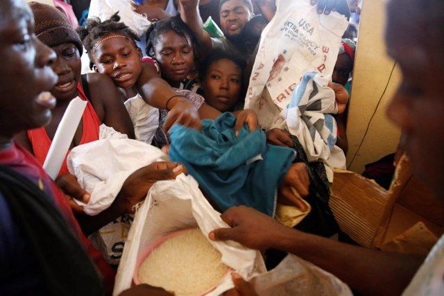 Reparto de ayuda en Haití
