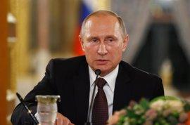"""Putin resta importancia a las acusaciones por crímenes de guerra: """"Es retórica política"""""""