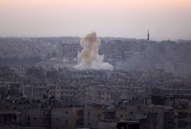Bombardeos sobre el barrio de Bustan al Basha, en Alepo