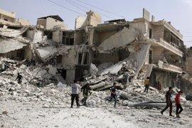 Dos días de bombardeos aéreos dejan al menos 145 muertos en el este de Alepo