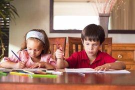 Ciudadanos pide regular el tiempo y la cantidad de deberes según la etapa educativa