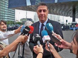 El PSC propone liderar una moción de censura en Badalona y Albiol (PP) lo rechaza