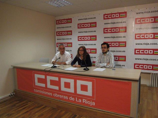 Participantes en la rueda de prensa de CCOO