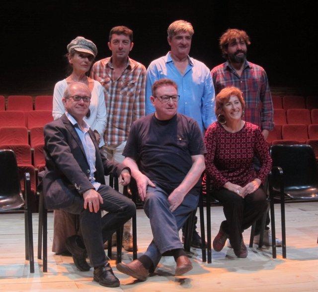 Guarionos junto al autor, director y actores de 'Hamlet Canalla' en El Micalet