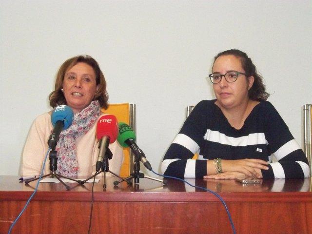 La concejal y la presidenta de la ONGD