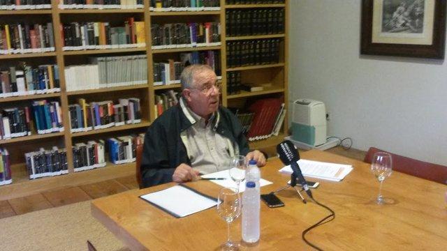 El alcalde de Santillana del Mar, Isidoro Rábago