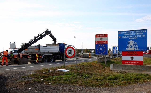 Construcción de una valla en la frontera de Austria con Hungría