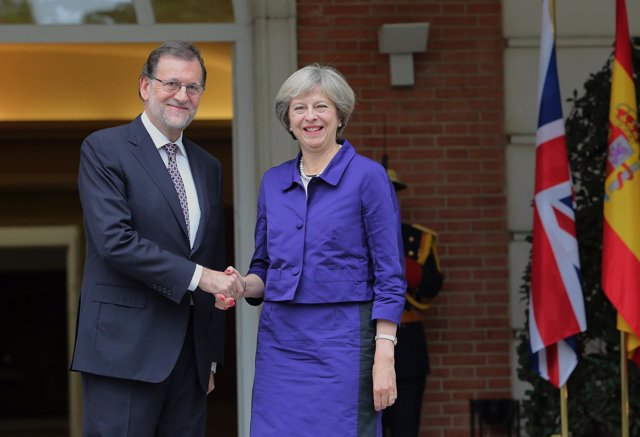 Mariano Rajoy recibe a Theresa May en la Moncloa