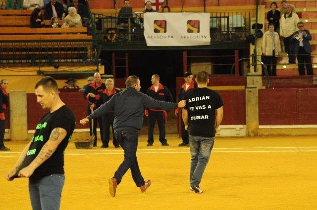 Antitaurinos saltan al ruedo en apoyo al pequeño Adrián