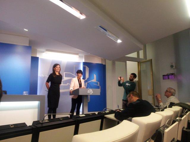 Maddalen Iriarte y Jasone Agirre han comparecido en la sala de prensa de la Cáma