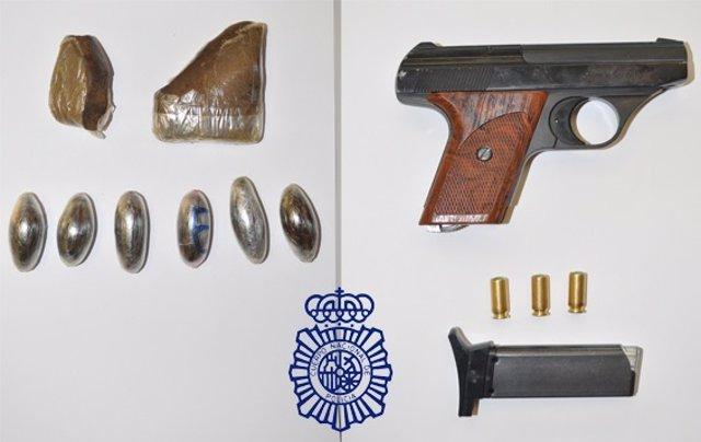 Pistola, munición y drogas incautadas