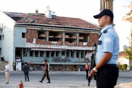 La Policía turca irrumpe en las sedes de Justicia para arrestar a 189 jueces y fiscales