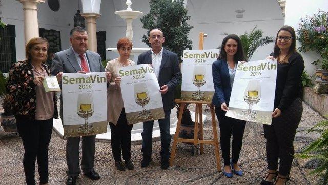 Autoridades durante la presentación de 'SemaVin 2016'