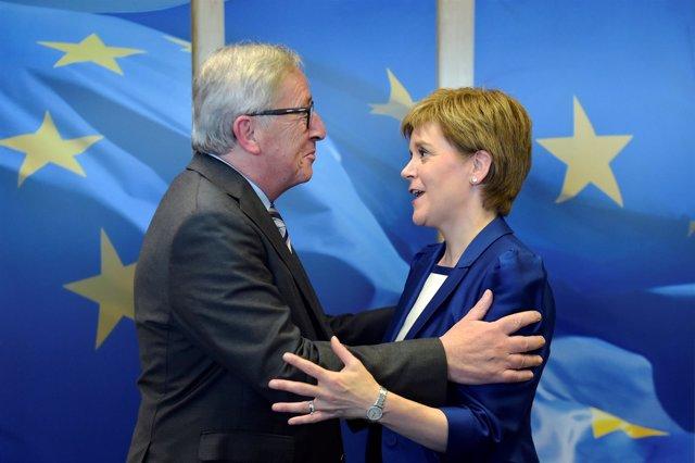 Nicola Sturgeon y Jean-Claude Juncker se reúnen en Bruselas
