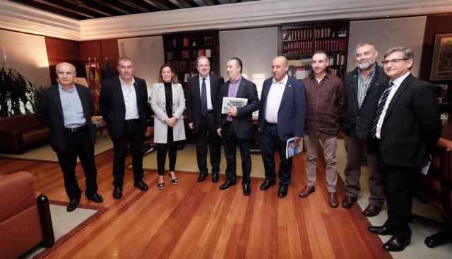 Herrera recibe a los representantes de las OPA en Castilla y León
