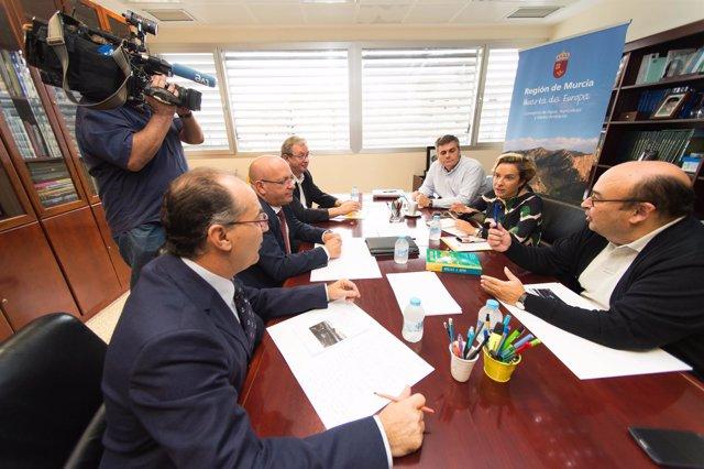 Reunión de Ciudadanos y Adela Martínez Cachá