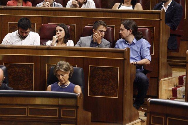 Errejón y Pablo Iglesias en el debate de investidura en el Congreso