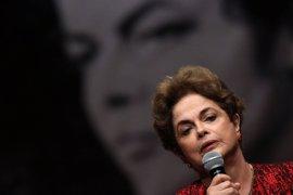 """Rousseff tacha de """"traidor"""" a Temer pero asegura que no le guarda rencor"""