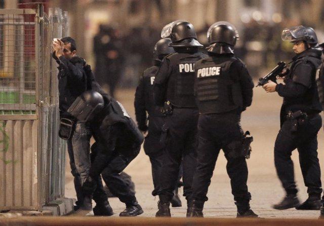 Operación en Saint Denis contra el cerebro de los atentados de París
