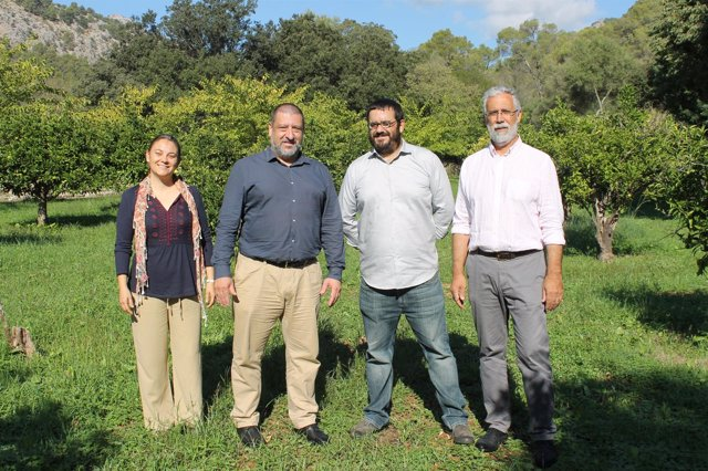 Firmado el convenio para recuperar la fisonomía agrícola de la finca Raixa