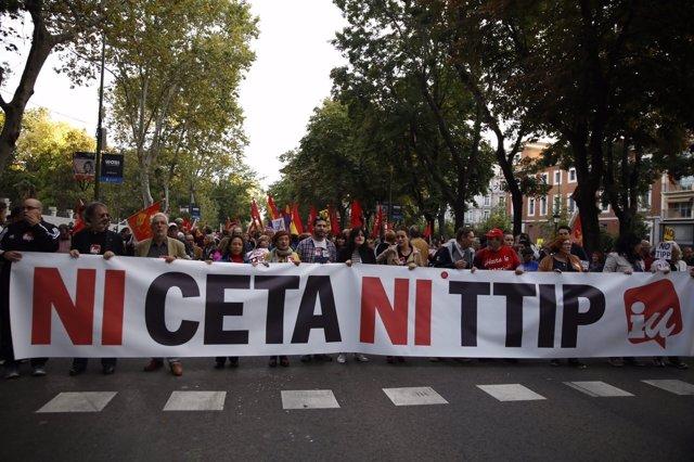 Manifestación en Madrid contra el TTIP y el CETA