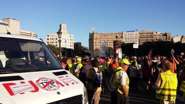 Manifestación contra el TTIP y el CETA en Barcelona