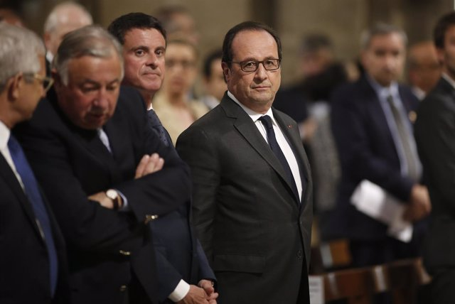 El presidente de Francia, François Hollande, en la misa de Notre Dame