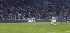 La Juventus remonta al Udinese y la Roma asalta San Paolo