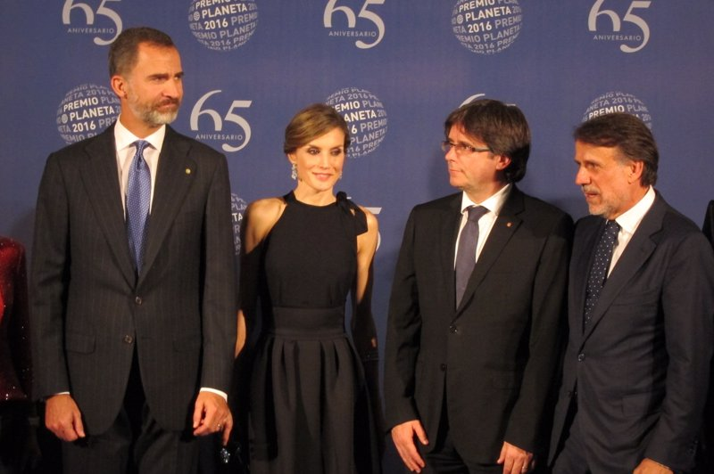 ¿Cuánto mide Carles Puigdemont? - Estatura - Real height Fotonoticia_20161015234427_800