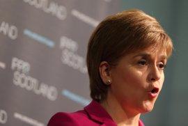 Sturgeon promete un segundo referéndum en Escocia si es arrastrado fuera del mercado único