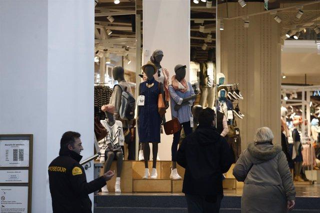 Primark de Gran Vía en Madrid, compra, compras, comprar, precios, IPC, consumo
