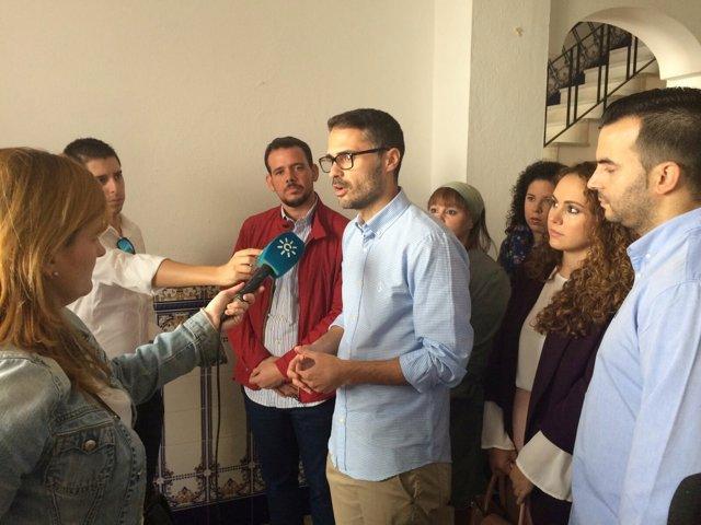 José Carlos Durán y Javier Barrionuevo en la sede del PSOE en Campillos.