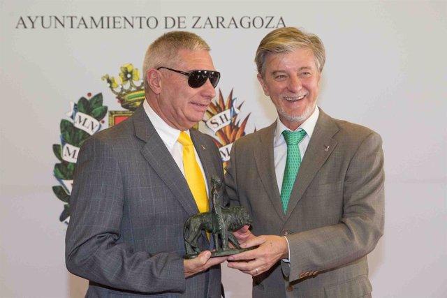 Antonio Bes recibe el título de Zaragozano Ejemplar 2016.