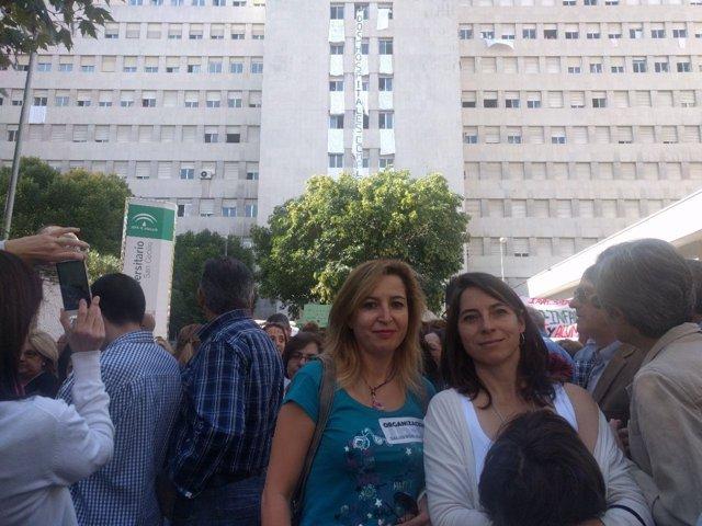 Representantes de Podemos en la marcha sanitaria de Granada