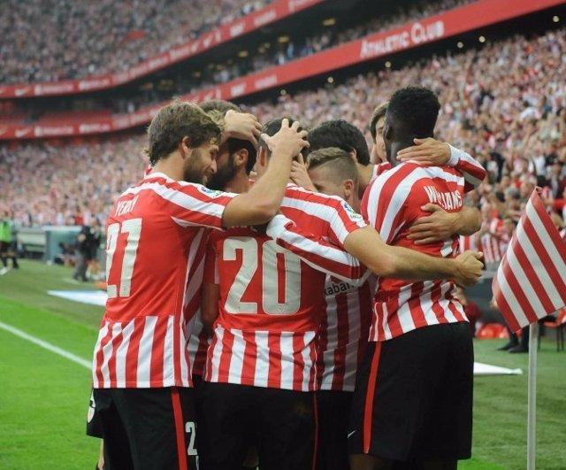 El Athletic gana el derbi vasco a la Real Sociedad