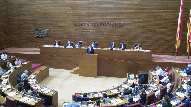 Imagen de archivo de Ximo Puig en el pleno de las Corts