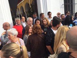 """Concentración """"masiva"""" y cargada de """"impotencia"""" en Olivares por el último crimen machista"""