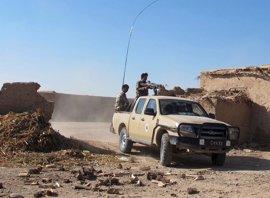 Fuerzas gubernamentales frenan a los talibán en las afueras de la capital de Helmand