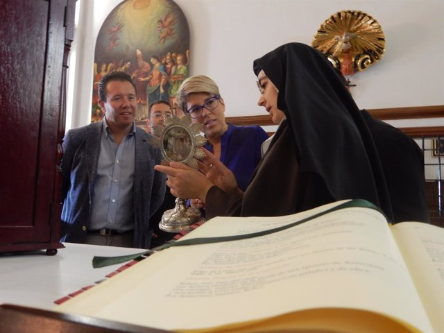 Á En El Real Monasterio De La Encarnación