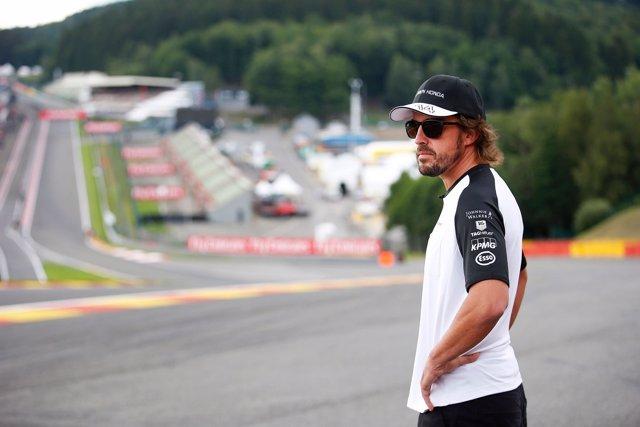 Fernando Alonso (McLaren) en el circuito de Spa (Bélgica)
