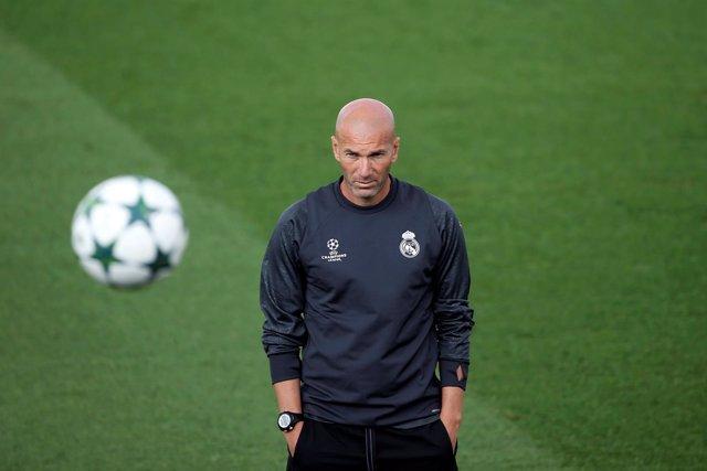 Zidane (Real Madrid) en entrenamiento de Champions