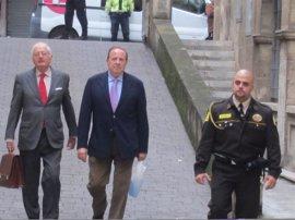 Castro da el primer paso para sentar a Matas y Rodríguez en el banquillo por Over Marketing
