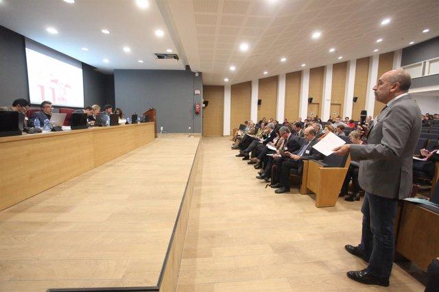 Debate en el Claustro de la Universidad de Sevilla