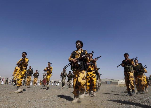 Milicianos huthis recién reclutados