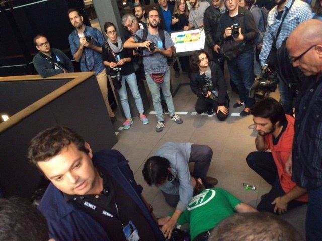 Miembros de las Jerc intentan irrumpir en la inauguración sobre el franquismo