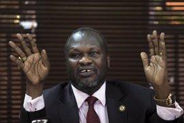 El líder rebelde de Sudán del Sur promete volver al país y dice poder negociar un acuerdo