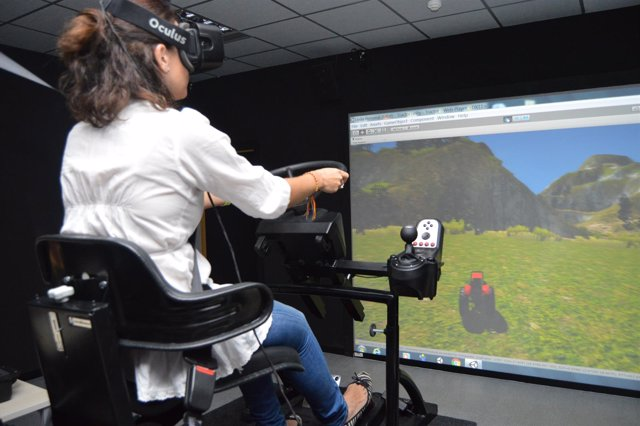 Un Congreso Internacional Premia El Simulador De Vuelco De Tractores De La UPCT