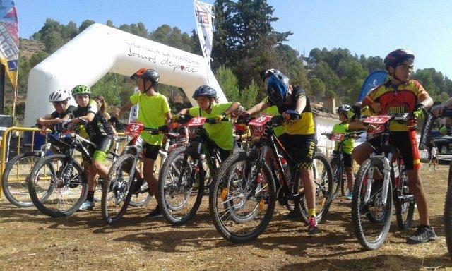 Deporte, bicicletas, ciclistas, cros